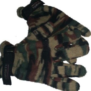 Camouflage printed snow gloves